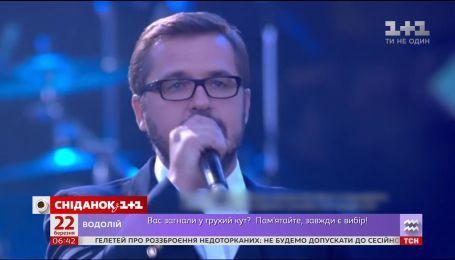 Олександр Пономарьов заспіває дуетом із Монсеррат Кабальє