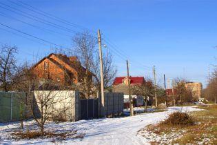 Парламент разрешил пользоваться незаконными домами, построенными до 2015 года