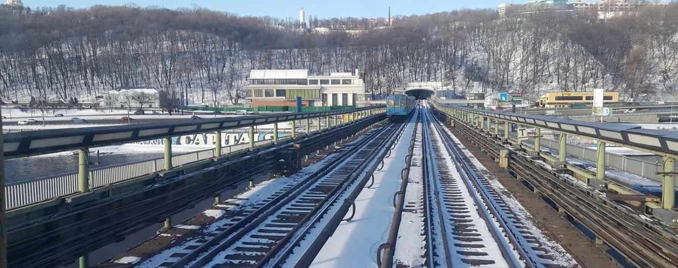 В Киеве в час пик приостанавливали движение поездов между двумя станциями