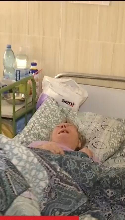 У столичній лікарні дев'ять місяців живе бабуся, яку родичі відмовляються забирати