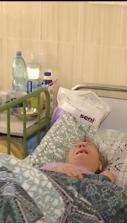 В столичной больнице девять месяцев живет бабушка, которую родственники отказываются забирать