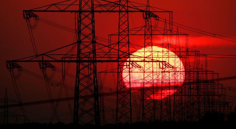 Електроенергія для українців може здорожчати вже цієї осені через шантаж Ахметова - нардеп