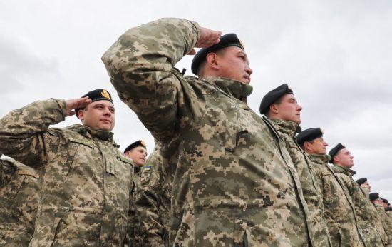 У спецвипуску газети Верховної Ради опублікували закон про воєнний стан