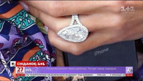 Пэрис Хилтон потеряла кольцо за два миллиона долларов