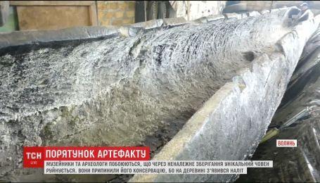 На Волыни пытаются сохранить уникальную лодку времен Киевской Руси