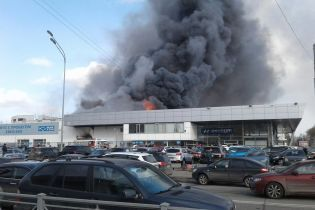 У Санкт-Петербурзі під час перевірки пожежної сигналізації спалахнув автоцентр Hyundai