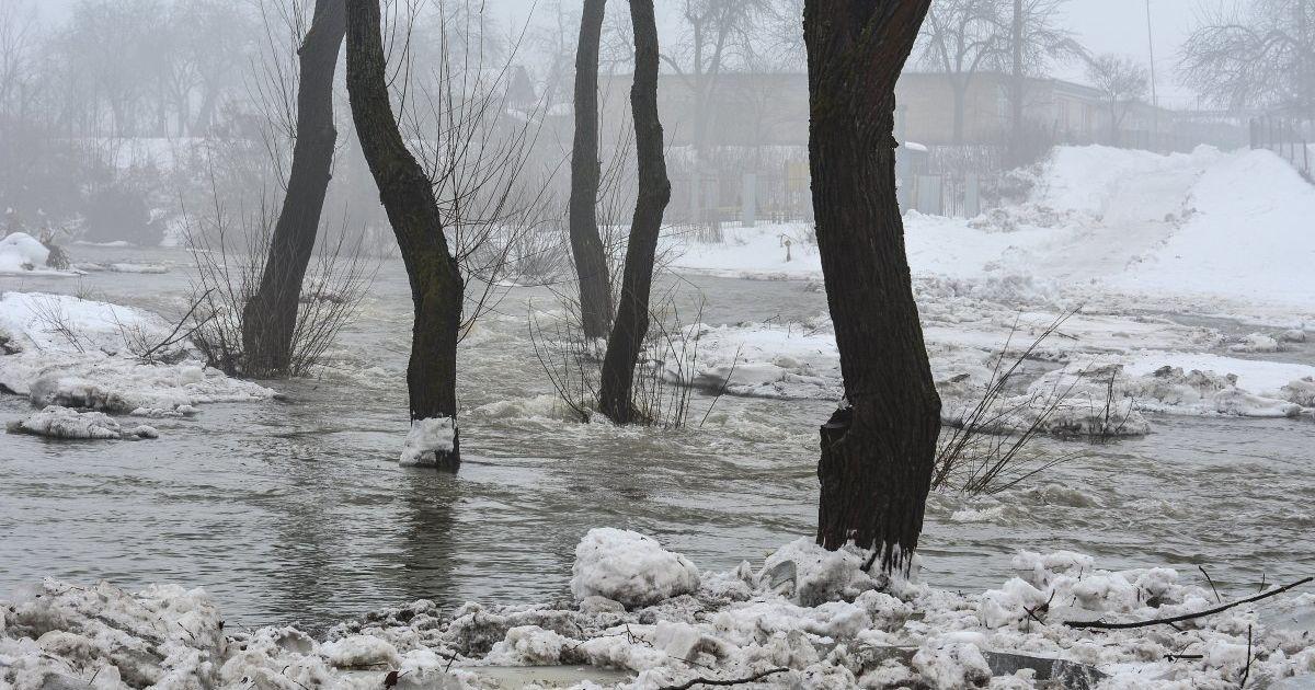 Синоптики предупреждают о повышении уровня воды в реках и паводках
