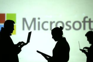 """В Кремле назвали заявления Microsoft о вмешательстве в выборы """"политической игрой"""""""