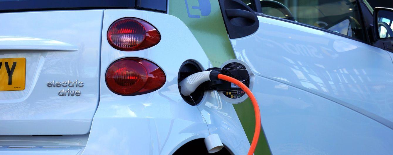 В Україні з'являться потужні зарядні станції на магістралях і парковках міст