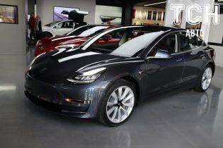 Tesla презентувала бюджетну версію Model 3