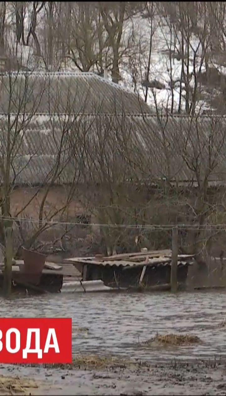 После оттепели несколько городов Украины страдают от паводков