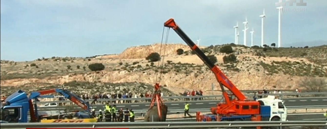В Іспанії у ДТП перекинулася фура зі слонами
