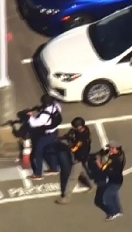 Жінка зчинила стрілянину поблизу штаб-квартири YouTube