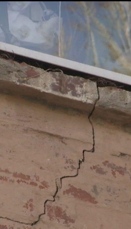 У Кропивницькому багатоквартирний будинок несподівано почав руйнуватися