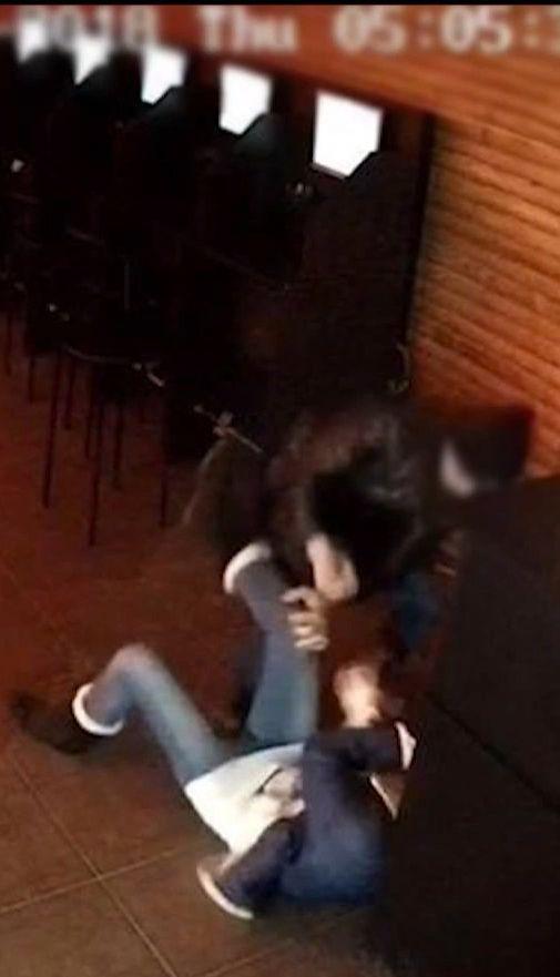 На Буковине суд отпустил мальчика, который пытался убить женщину
