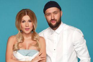 Омаргалиева в мини-шортах, Тамерлан в шапке: дуэт представил лирик-видео на новую песню
