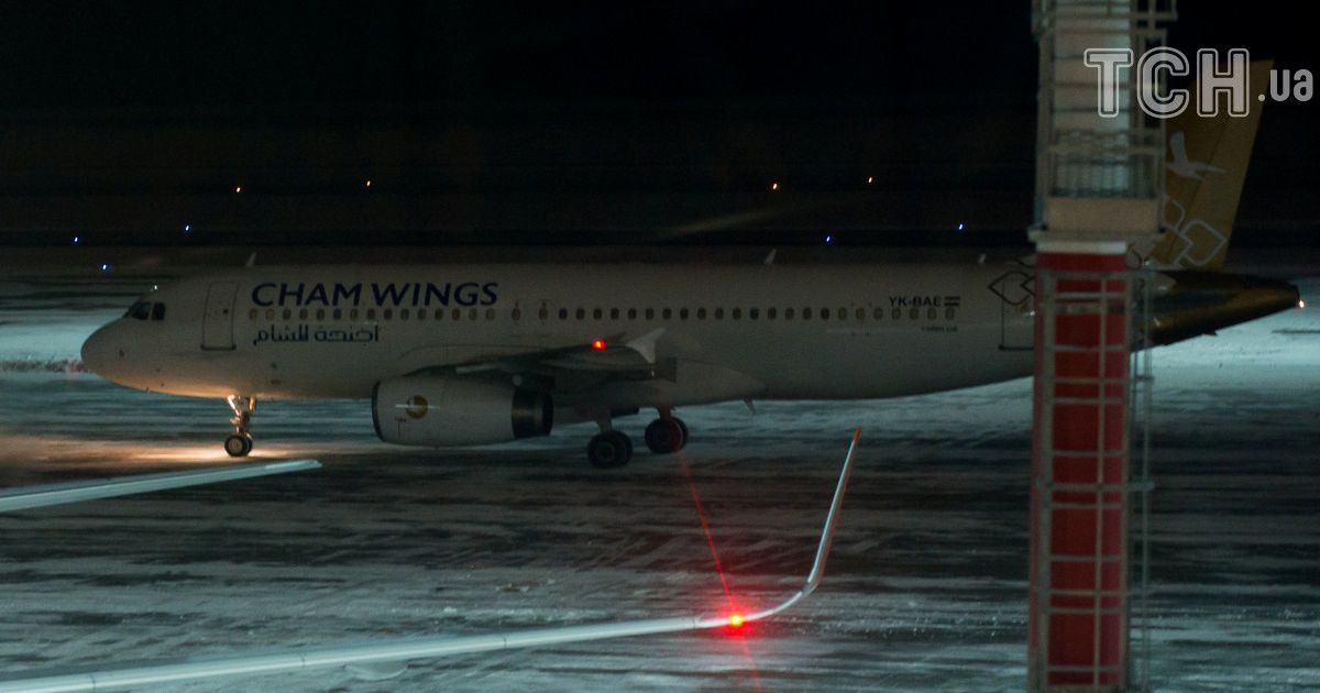 Самолет авиакомпании Cham Wings в аэропорту Ростова. @ Reuters