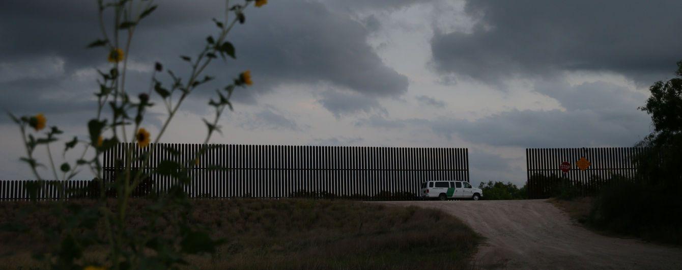 США начинает стягивать войска к границе с Мексикой