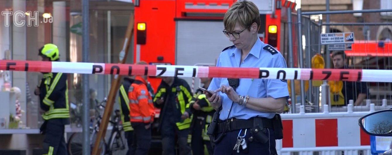 Автомат Калашникова і петарди: водій, який наїхав на людей в Німеччині, планував вчинити самогубство