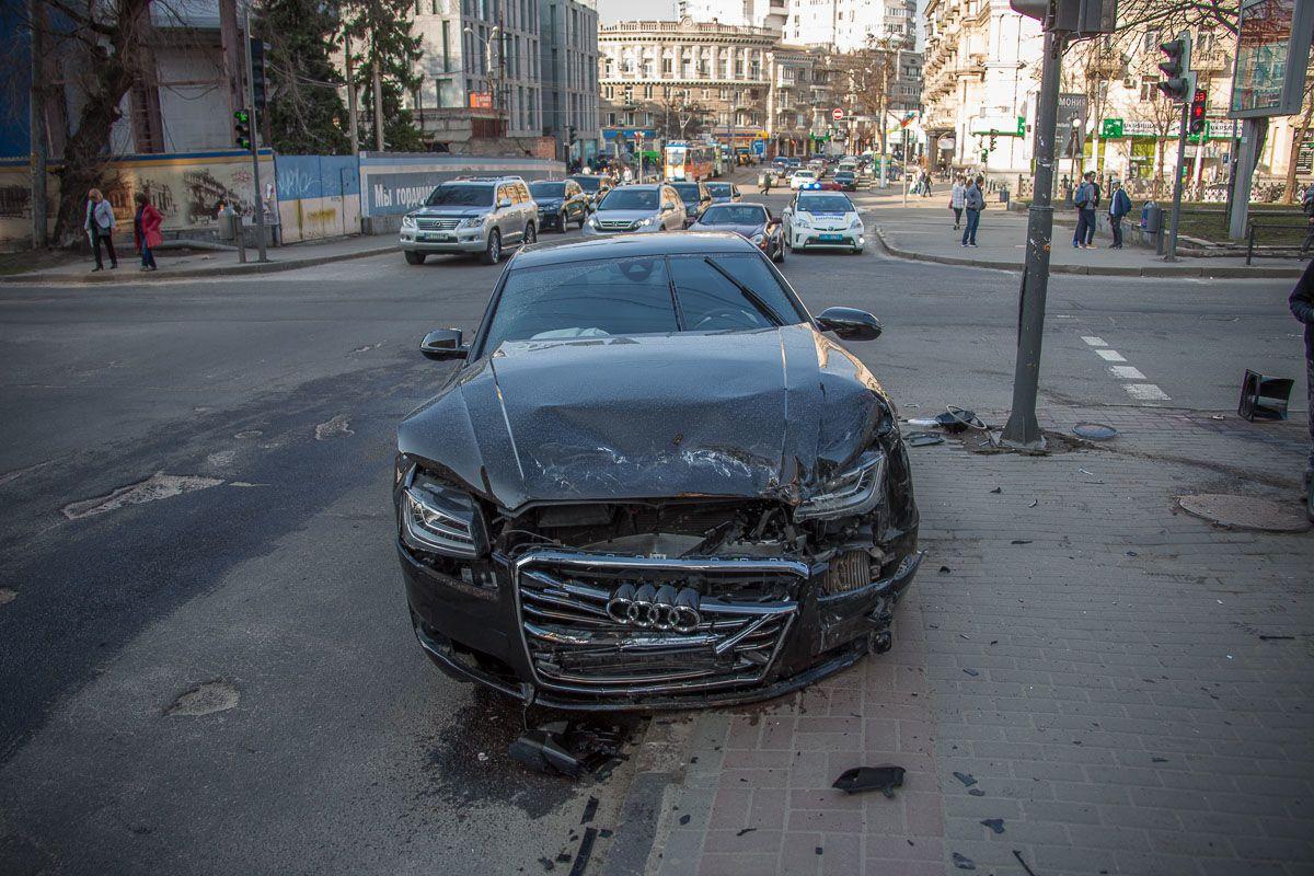 ДТП, аварія, швидка, Дніпро, Ауді_2