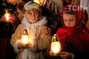 Ночью пасхальную службу посетило почти 7 миллионов украинцев