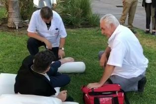 Аргентинский журналист сломал ногу в попытке повторить гол Роналду