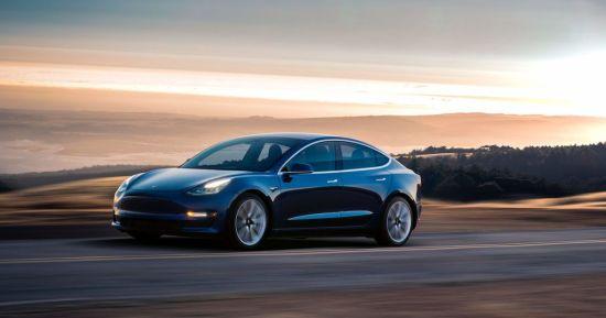 Українець вкрав у Microsoft $10 млн і купив Tesla та віллу біля озера