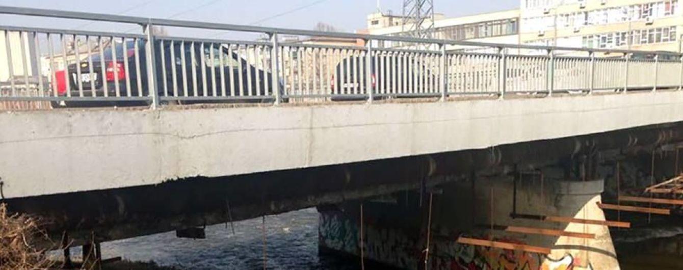 В Харькове под мостом нашли тело человека в мешке
