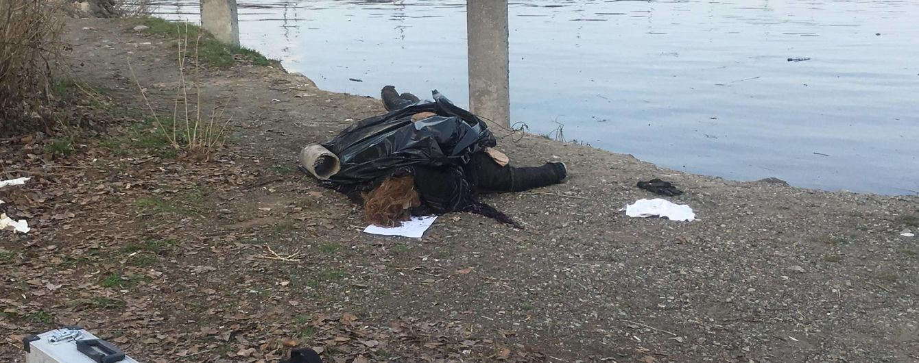 В Киеве из Днепра вытащили тело женщины, которое может принадлежать пропавшей зимой студентке