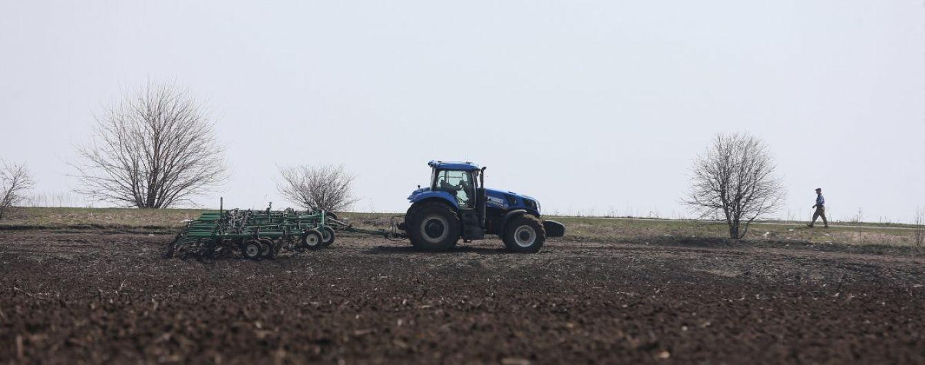 Фермеры под прицелом рейдеров: на Черниговщине у женщины украли три агропредприятия