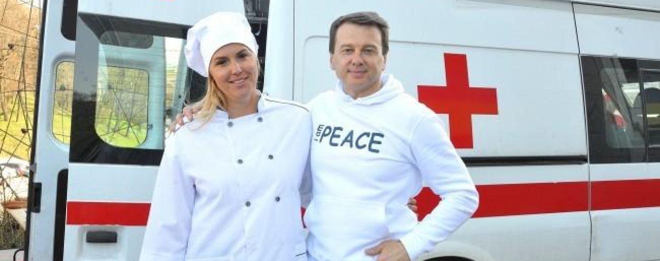 Яна Клочкова и Тимофей Нагорный подарили праздник для 1000 детей в Украинском Доме