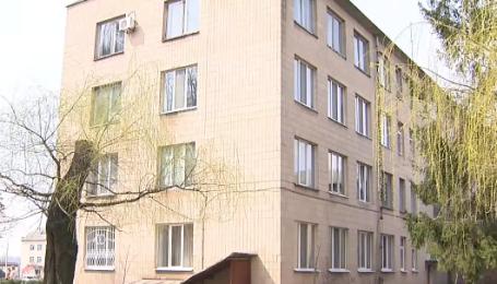 В Черкасской области чиновник повесился в окне собственного кабинета