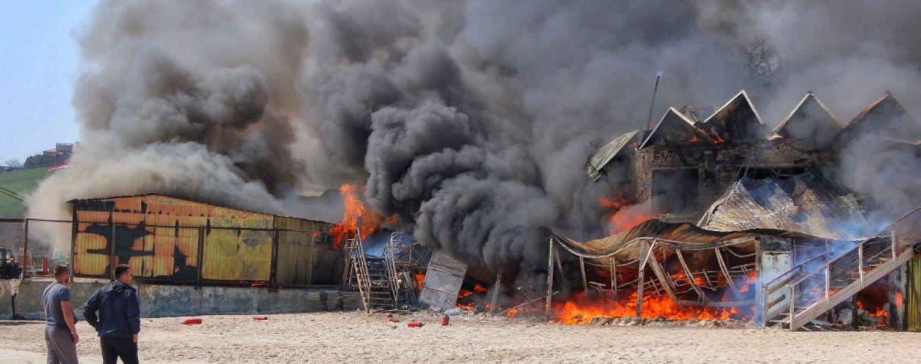 Владелец ресторана, который сгорел в Одессе, убежден в поджоге заведения