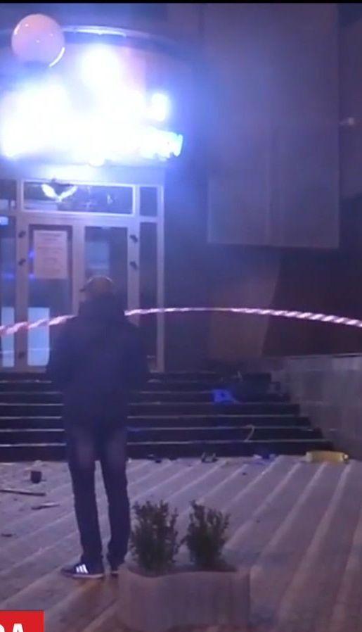 """Появилось видео, как человек из гранатомета обстрелял офис """"Киевгорстроя"""""""