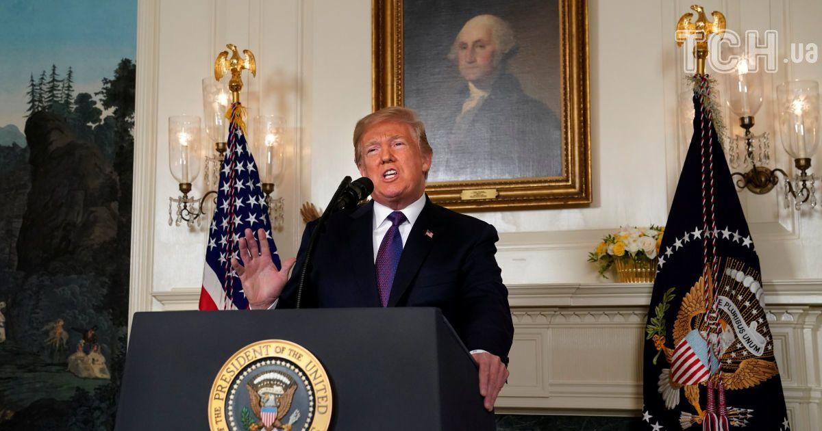 Резкие жесты и категоричность: как Трамп приказал атаковать объекты в Сирии