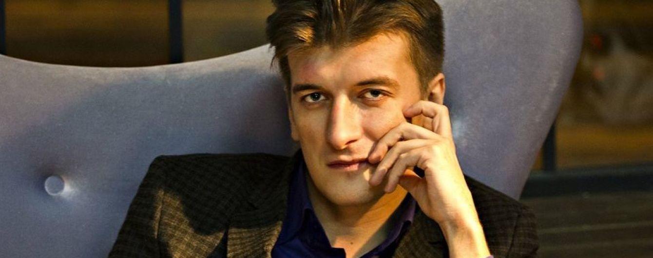 """У Росії з вікна 5-го поверху випав журналіст, який першим написав про загиблих у Сирії """"вагнерівців"""""""
