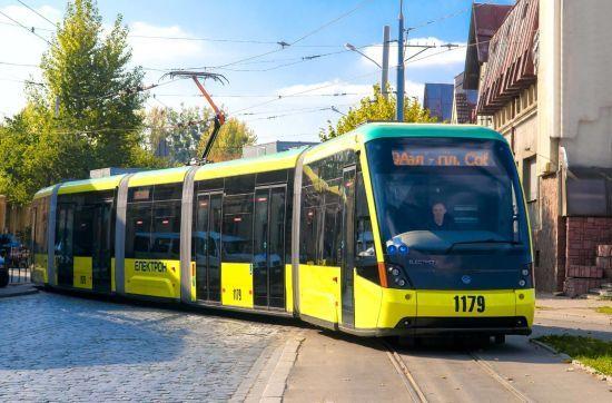 Квиток у водія буде дорожчим, аніж на зупинці. У Львові зросла вартість проїзду в трамваях та тролейбусах