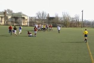 Украинские футболистки устроили ожесточенную драку во время матча, зрители оценили