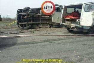 На Одеській трасі бензовоз в'їхав у працівників дорожньої служби. Є жертви