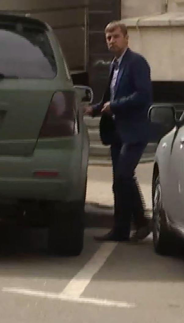 Гаврилюк убегал от вопросов об авто, на котором ездит