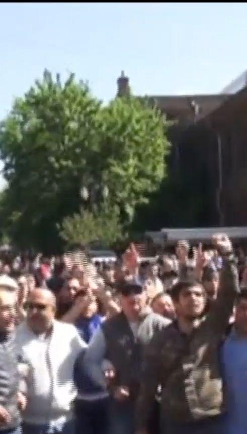 Лідери опозиції оголосили про початок революції у Вірменії