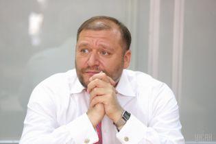 Янукович мав залишитися та померти – Добкін