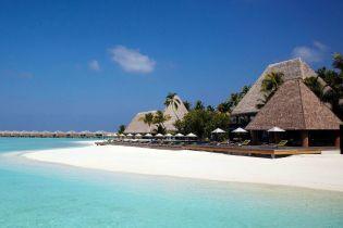 Две чиновницы Бучанского горсовета отдохнули в 5-звездочном отеле на Мальдивах