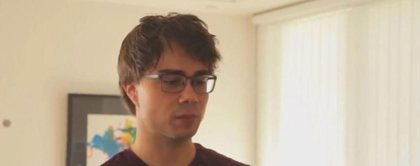 Олександр Рибак показав свою квартиру та розповів, хто хазяйнує в його кухні