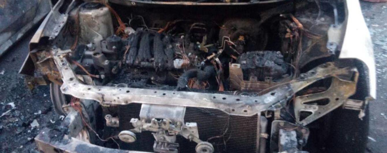 В Одессе ночью неизвестные сожгли четыре авто в элитном районе