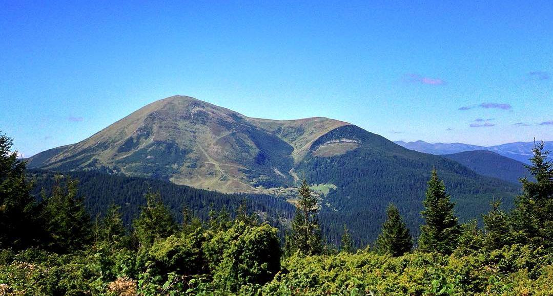 Гора Петрос, Карпати, гори