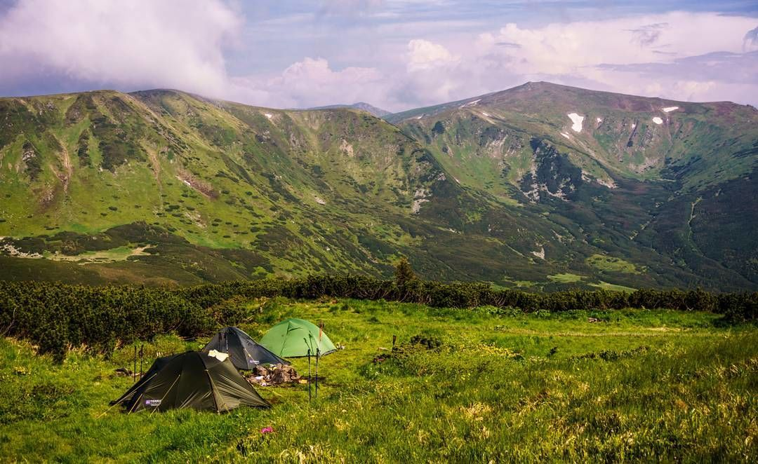 Гора Менчул, Карпати, гори