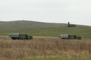 Росія розпочала військові навчання в анексованому Криму