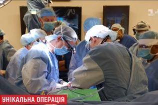 У США провели першу у світі операцію з повної пересадки чоловічих геніталій