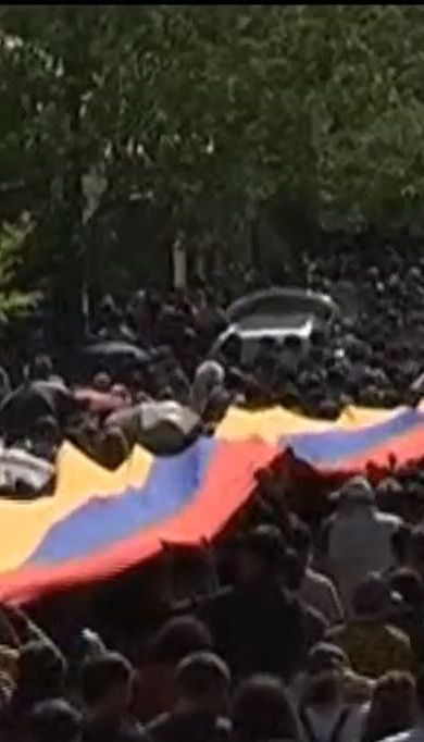 Армяне собираются на новые массовые протесты